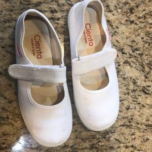 Cienta sz 34  (US size 3)white canvas shoes